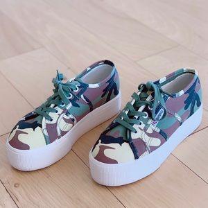 Superga Camouflage platform sneaker